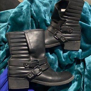 Black Moro boots